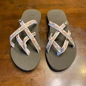 Teva Alowaho sandals NWOT size 8